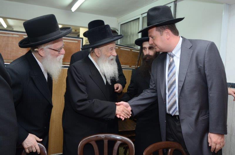 הר''ר זאב מרמורשטיין עם הגר''ח ואזנר