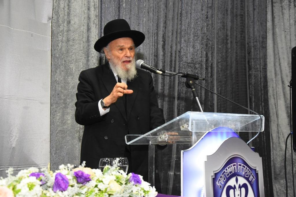 הגאון ר' משה הלל הירש ראש ישיבת סלבודקה נושא דברים