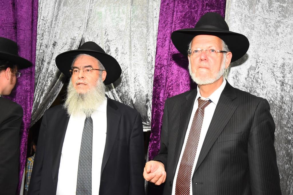 יו''ר עזר מציון הרב חנניה צ'ולק והרב יעקב וירז'ובינסקי מנכ''ל רשת ישיבות אורחות תורה